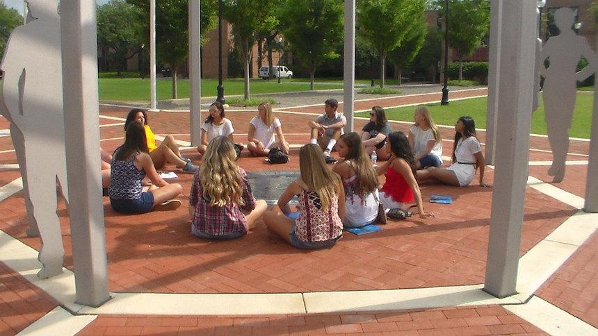 students attend summer registration group session