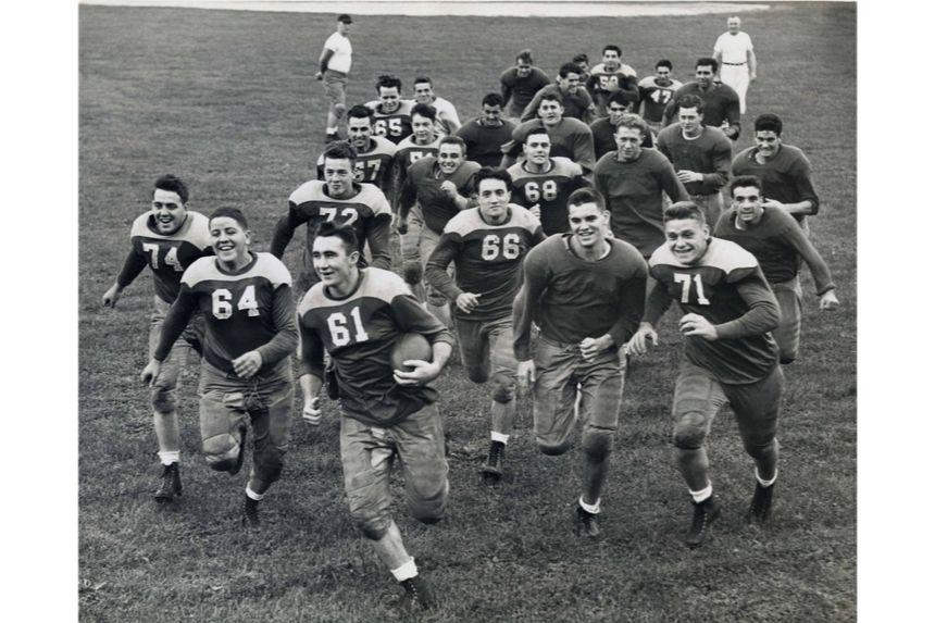 Football players historic photo