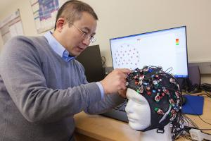 Electrical Engineering, Dr. Song Working on Brain Research