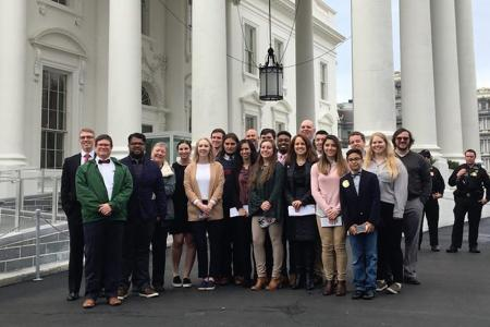 Students Tour White House